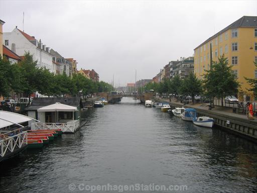christianshavns-kanal-torvegade-bridge.jpg